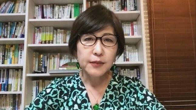 リモート会見する自民党の稲田朋美衆院議員。記者は画面に向かって質問した