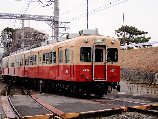 6月2日にひっそりと引退した阪神武庫川線の赤胴車