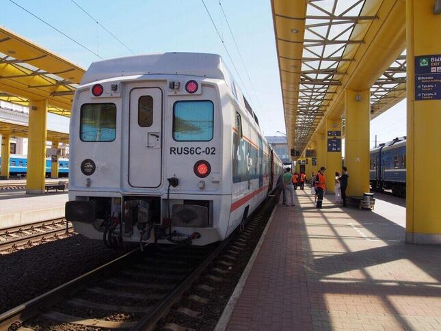 ロシア鉄道の看板列車のひとつ「ストリージィ」