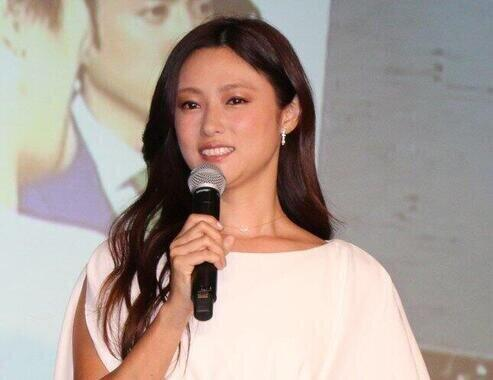 深田恭子さん(2015年撮影)が「代々泥棒一家」の娘を演じる。