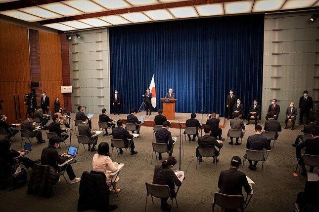 記者会見は約50分にわたって行われ、12人の記者が指名された