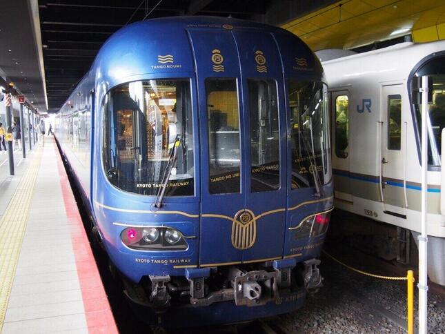 京都駅からの直通特急「はしだて」につく京都丹後鉄道「丹後の海」