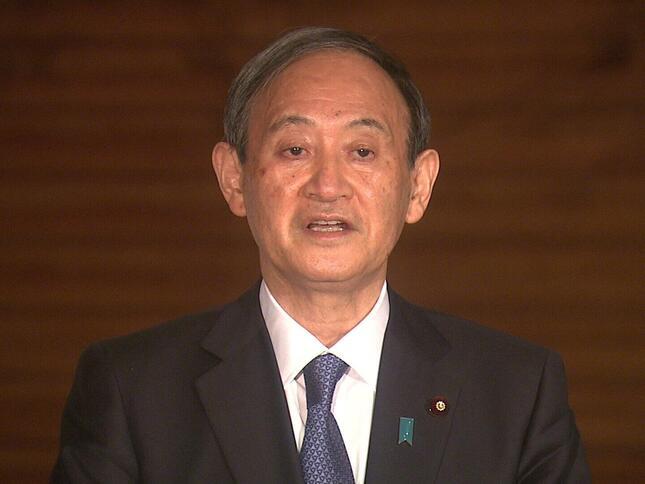 ぶら下がり取材に応じる菅義偉首相。緊急事態宣言の再発令を検討しているかについて記者団から問われ、「してません」と答えた(写真は首相官邸ウェブサイトから)