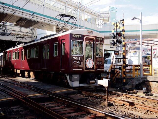 大みそかから元旦にかけて臨時列車を運行する予定だった阪急電鉄。18日、中止を発表した
