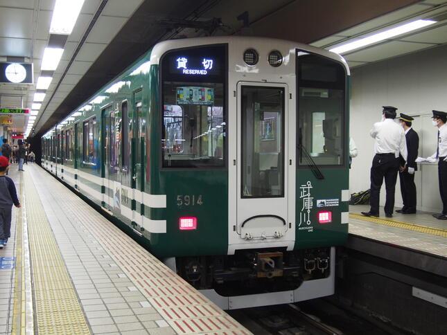 6月にデビューした阪神5500系武庫川線仕様