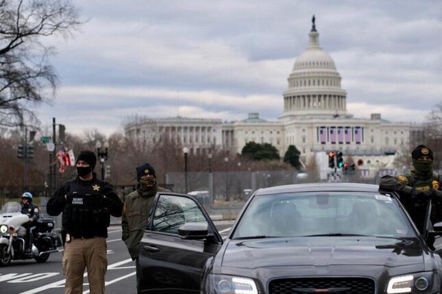 バイデン大統領就任式を前にワシントンを警備するシークレットサービスたち(2021年1月、筆者撮影)