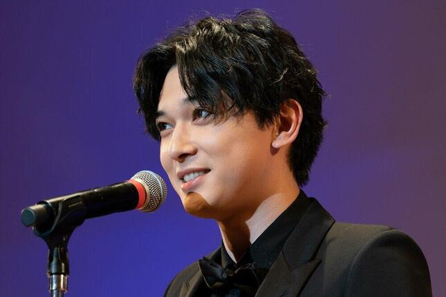 吉沢亮さん(写真:Motoo Naka/アフロ)が27歳の誕生日を迎えた。