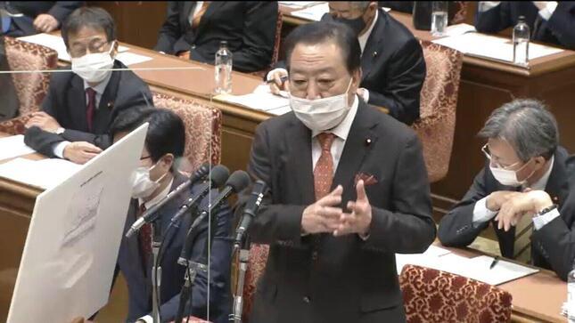 衆院予算委員会で5年ぶりに質問に立った立憲民主党の野田佳彦元首相。「財政も緊急事態」などと訴えた(写真は衆院インターネット中継から)