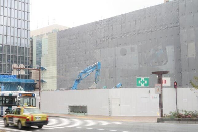 天神のランドマークのひとつだった福岡ビル(福ビル)も建て替えのため「天神ビッグバン」で姿を消した(2020年11月撮影)