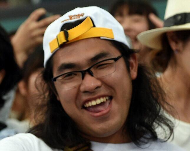 ロッチの中岡創一さん(写真:AFP/アフロ)が「墨汁まみれ」に