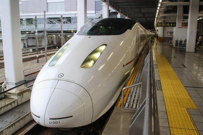 「つばめ」に使用される800系電車