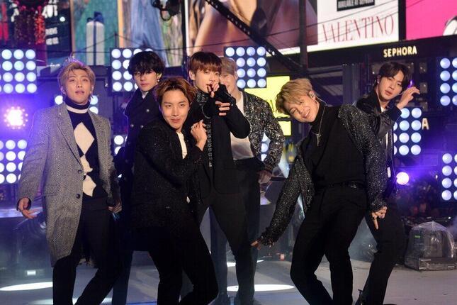 BTS「Dynamite」ヒットの理由を分析(C)FAMOUS
