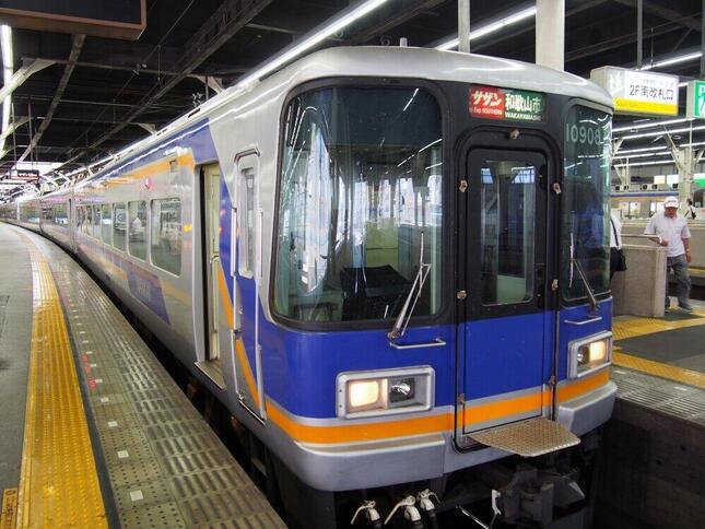 「Visaのタッチ決済」と「QRコード」利用の実証実験を実施する南海電気鉄道