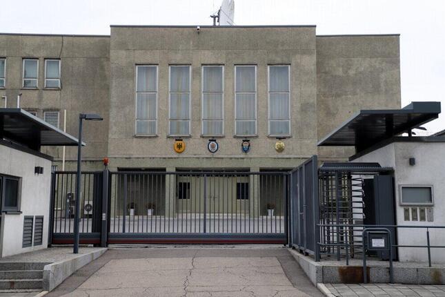 ロシア大使館のFBの書き込みによると「現在、英国、ドイツ、フランス、スウェーデンの外交団が入居している旧東ドイツ大使館の門は、何ヶ月も開かれていない」という(在北朝鮮ロシア大使館のフェイスブックから)