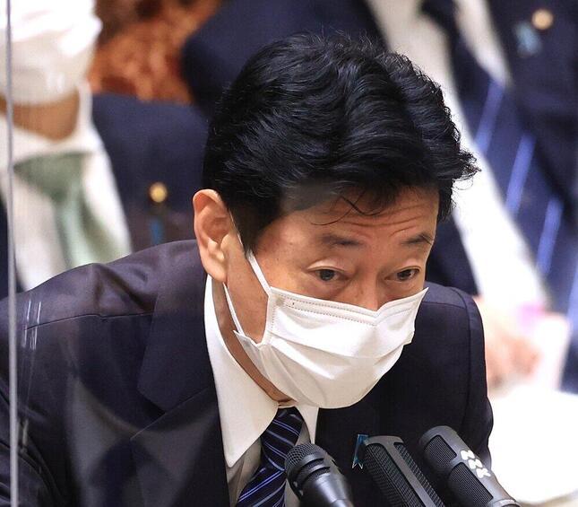 西村康稔大臣(つのだよしお/アフロ)