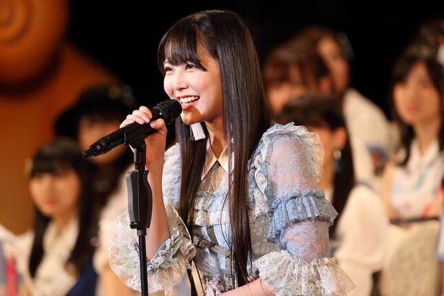 NMB48の白間美瑠さん。卒業シングルが6月16日に発売されることが、自らがプロデュースする4月19日の劇場公演で発表されたばかりだ(2017年撮影)