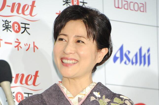 2020年に亡くなった岡江久美子さん(写真:Pasya/アフロ、2013年撮影)