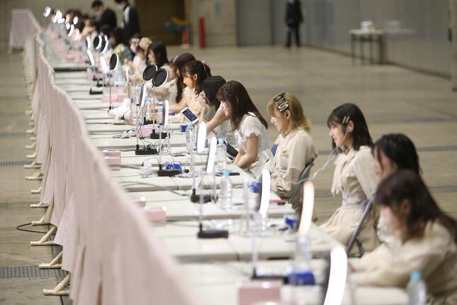 AKB48ではオンラインで握手会の代替イベントが行われている。写真は2020年10月に開かれたAKB48の「オンラインお話し会」の様子((c)AKB48)
