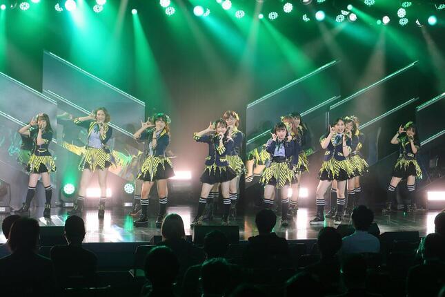 2020年はアイドルグループの活動が大きく制限された(写真は2020年11月のHKT48劇場・こけら落とし公演)