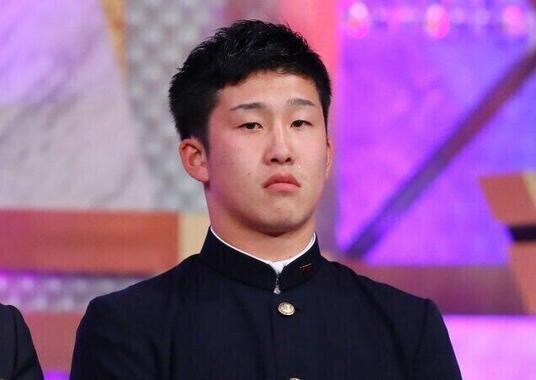 小園海斗選手(写真:西村尚己/アフロスポーツ)