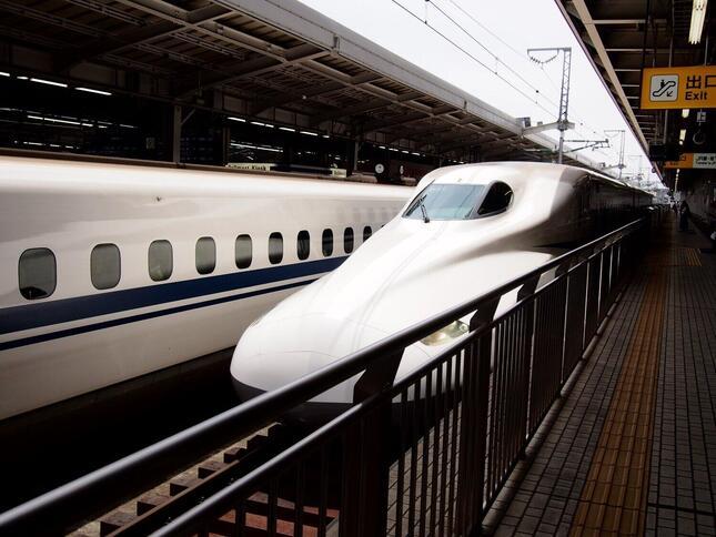車いすスペースの整備が進む東海道・山陽新幹線(車両はN700S系ではありません)