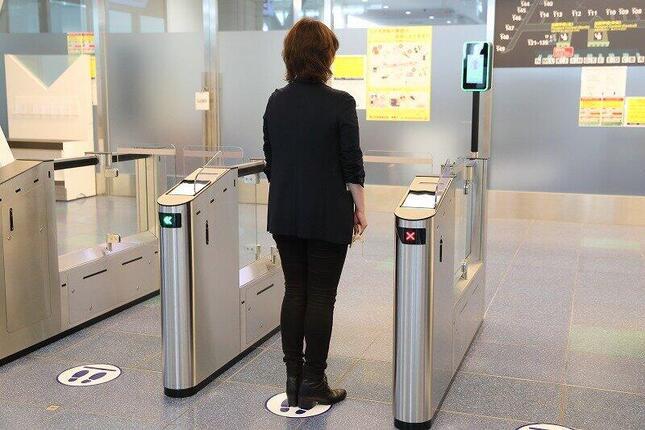 搭乗券がなくても、顔認証で保安検査場に進めるようになる
