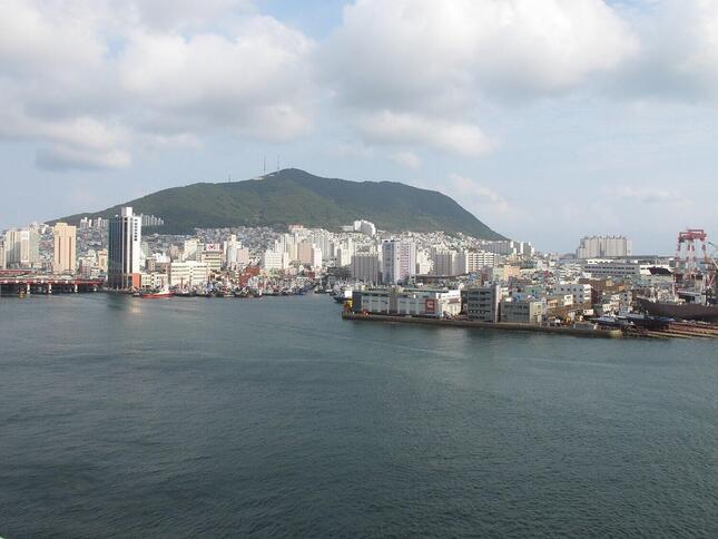 日本航空(JAL)は1967年から釜山に乗り入れてきた。21年7月の成田線運休で現地拠点を閉鎖する