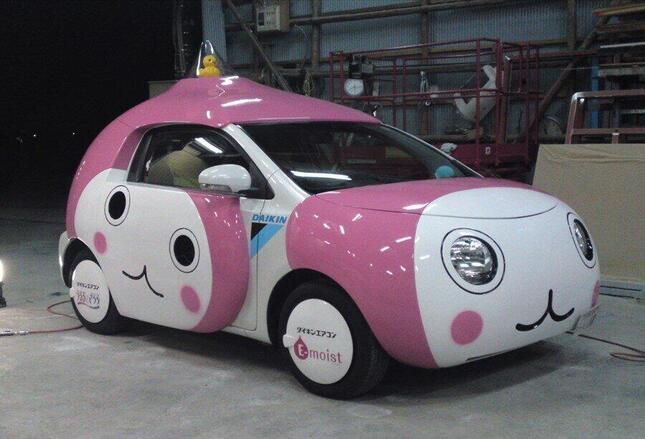 現在はなくなったピンクの車体にルーフのアヒルが特徴的な「おユぴちょんくん号」、アヒルは光るとのこと ダイキン工業広報提供
