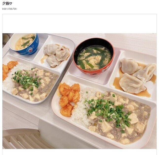 辻さんが披露した中華ディナー。本人のブログより