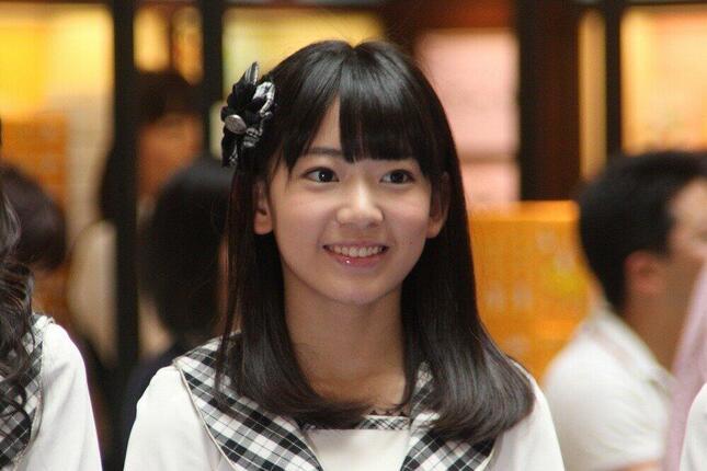 HKT48の宮脇咲良さんにとって、2011年のお披露目イベントは苦い思い出だ。写真はデビューから2年が経とうとする13年8月撮影