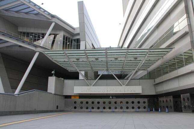 Aゲートにあった「SAITAMA SUPER ARENA」の看板が消えた(21年6月21日撮影)