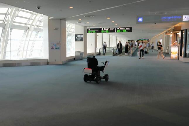 乗客が降りた後は自動で待機場所に回送される