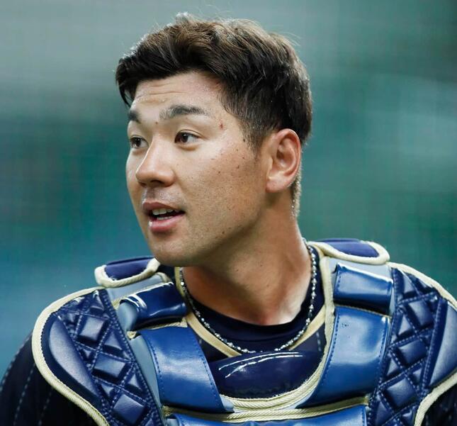 炭谷銀仁朗選手(写真:長田洋平/アフロスポーツ)