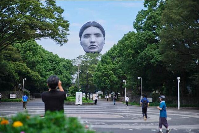 「まさゆめ」で代々木公園に浮かぶ「顔」(プレスリリースより)