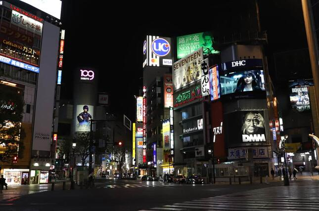 緊急事態宣言下の東京(写真:つのだよしお/アフロ)