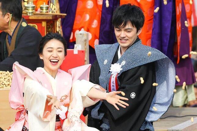 結婚を発表した林遣都さん(右)と大島優子さん(左)/アフロ