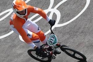 五輪BMXで信じられない事故 審判員がコース侵入、激突で選手負傷...組織委「再発防止に努める」