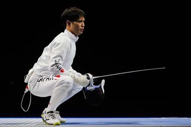 東京五輪のフェンシング男子エペ団体で金メダルを獲得した山田優選手(写真:ロイター/アフロ)