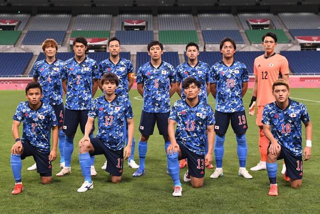 男子サッカー日本代表(写真:AFP/アフロ)