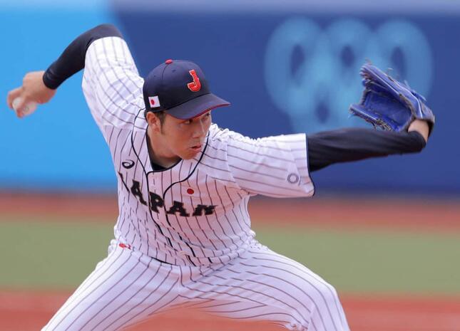 侍ジャパンの青柳晃洋(写真:AFP/アフロ)