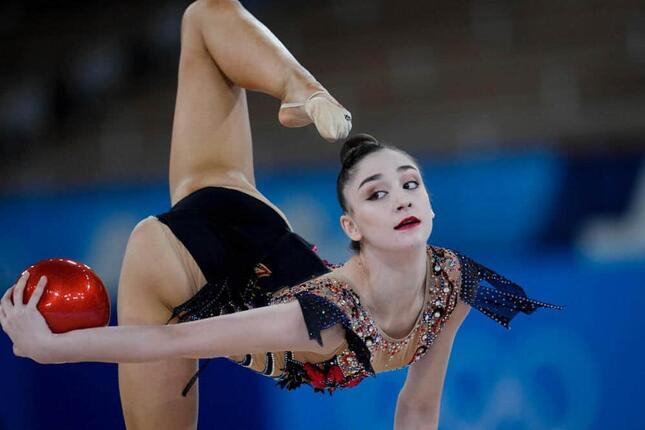 カザフスタンのアリーナ・アジルハノワ選手(写真:AP/アフロ)