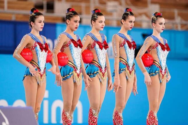 「セーラームーン」衣装が話題の新体操・ウズベキスタン代表(写真:丸山康平/アフロ)