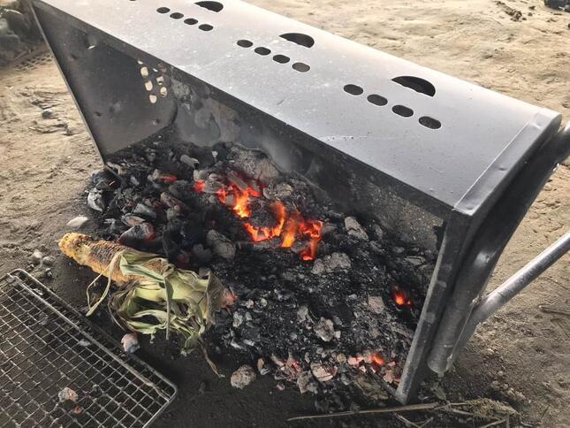 火が点いたままのコンロ(写真は、ツイッター投稿者提供)