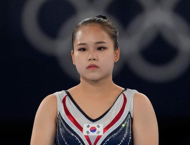 種目別跳馬で銅メダルを獲得した呂書晶(写真:AP/アフロ)