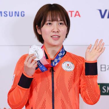 女子団体で銀メダルを獲得した平野美宇(写真:アフロスポーツ)