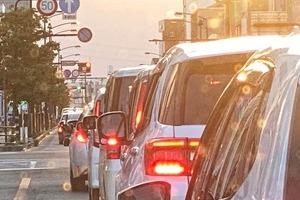 「ボコボコ」に大破した教習車が一般道を走行 現場写真にSNS騒然...一体何が?スクールに聞いた