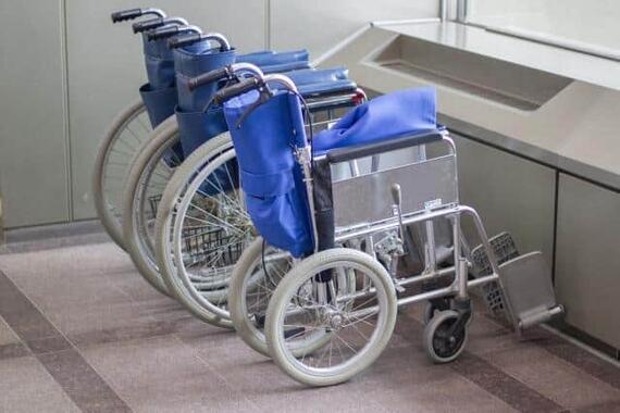 介護ベッドや車いすなどを譲渡すると話題に(画像はイメージ)