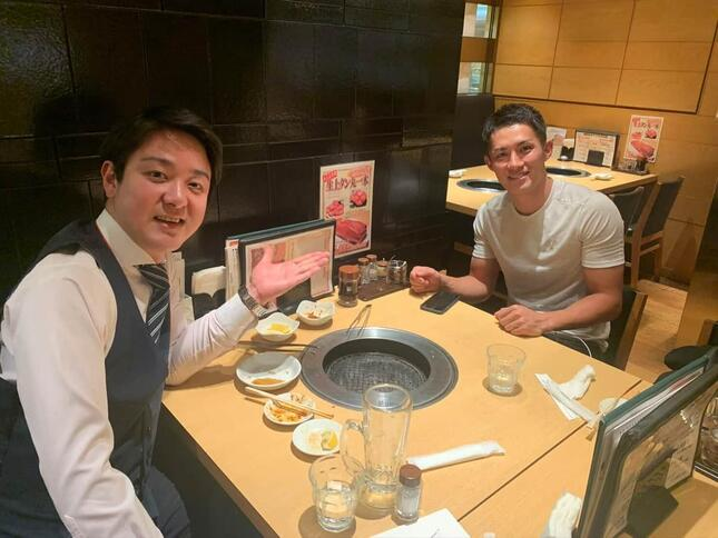 山田千紘さんと小須田潤太選手。小須田選手に東京パラリンピック代表内定の連絡が来た時、食事を共にしていた
