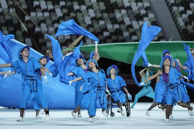 東京パラリンピック開会式の様子(写真:AFP/アフロ)