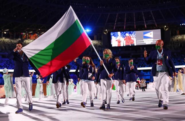 パラリンピック開会式での選手入場の様子(写真:ロイター/アフロ)